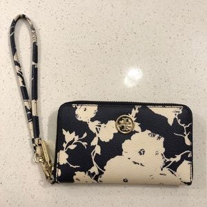 Tory Burch wristlet - navy and white floral